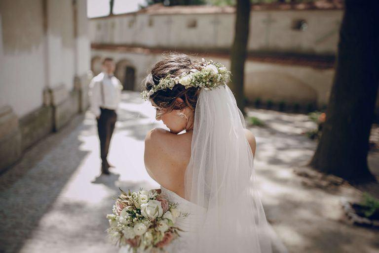 Fryzury na wesela i ślub 2018 [ZDJĘCIA]