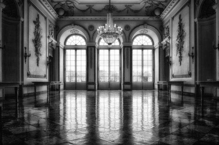 Najlepsze miejsca na zdjęcia ślubne w plenerze – zamki i pałace [część 1]